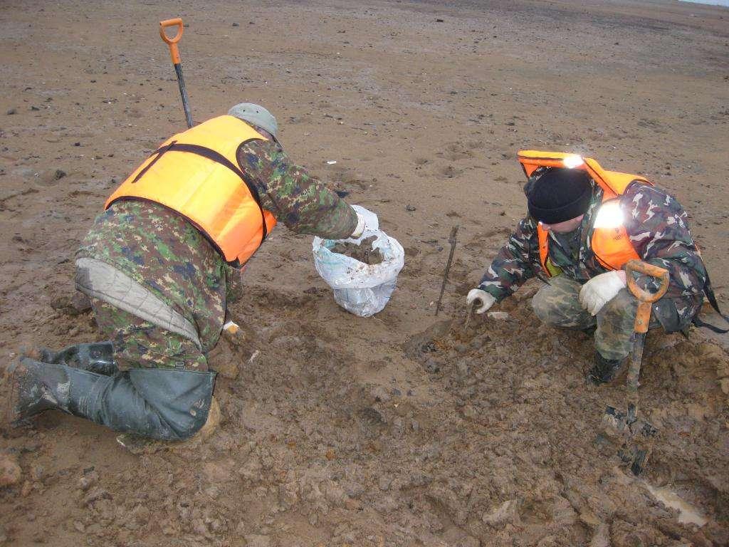 Визуально обнаружены останки бойца, лежавшего на поверхности
