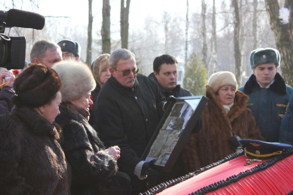 Захоронение летчика М. Коротаева