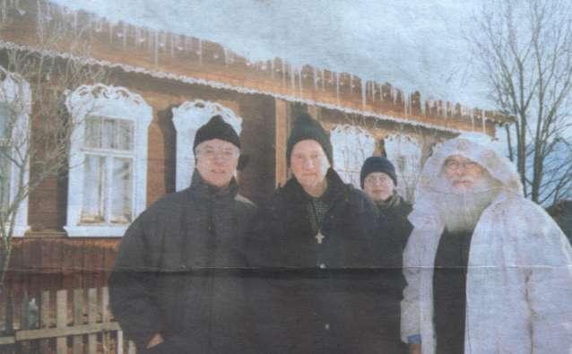 Через 58 лет Петер Роденхебер оказался в деревне Жабино. На фото: Йозеф Принц, Петер Роденхебер, Виктор Руд, Йозеф-Мария де Вольф