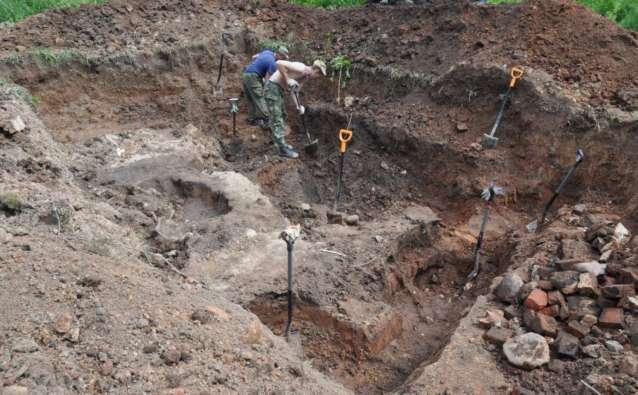 Археологическая зачистка овина и эксгумация воинов продолжалась три дня…