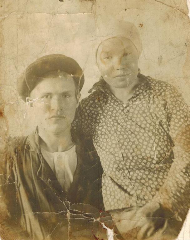 Валентин Матвеевич Баженов с женой - Дарьей Ильиничной